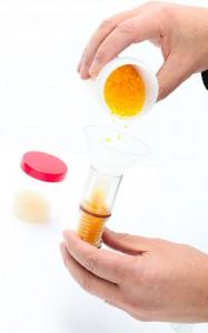 Remplissage du gel de silice dans une cartouche dessicante du HG-101