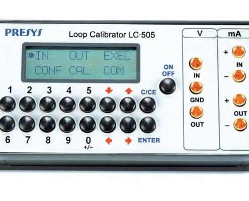 Calibrateur de terrain pour signaux electriques